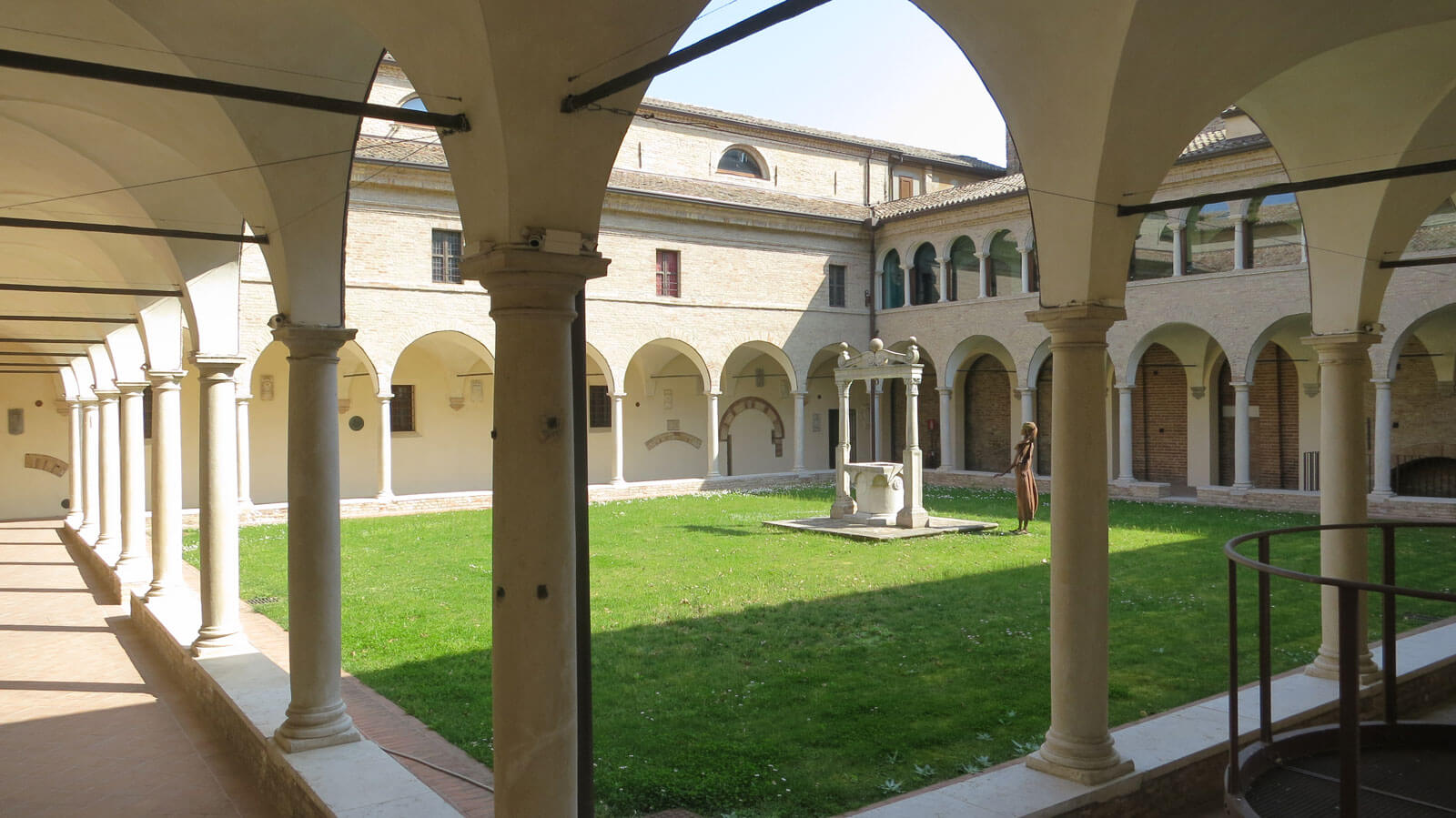 Chiostri Francescani