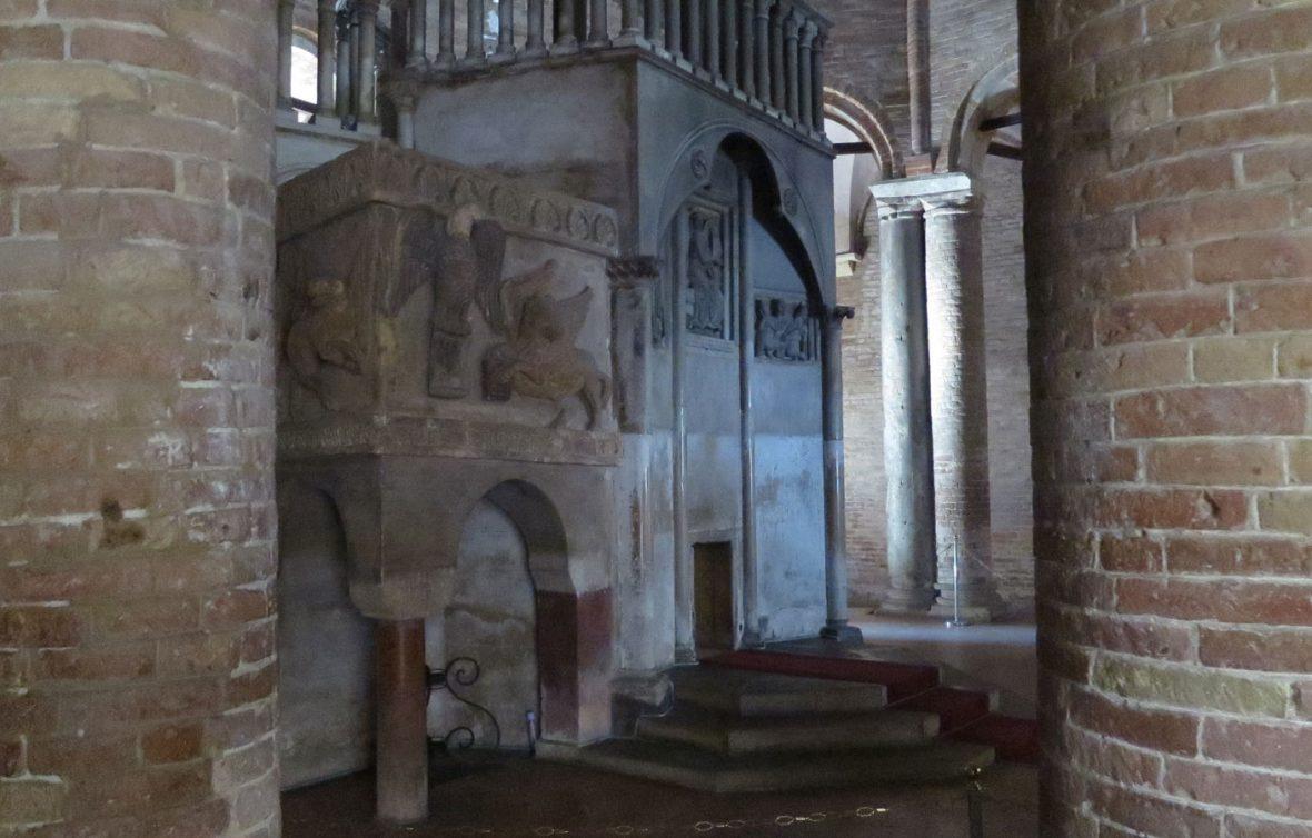 Basilica di Santo Stefano - Sepolcro